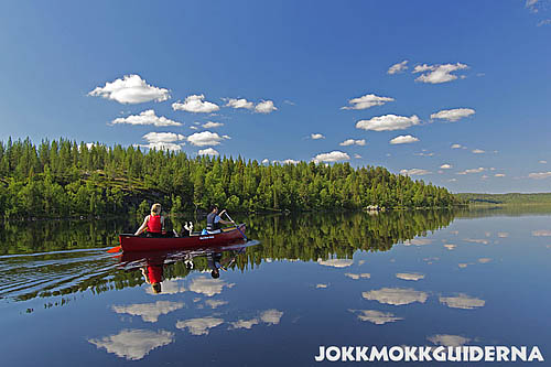 Canoeing_on_calm_waters